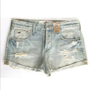 NWT Hollister Betty Distressed Denim Shorts Size 7